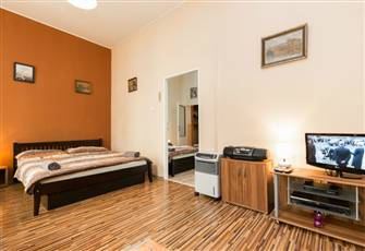 2b Apartment for 2 - 7 Pers., 10 Min. Walking from Historical Town