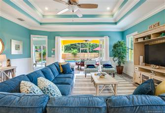 Shabby Chic Vanderbilt Beach House...Not so Shabby. Hot New Summer Rates!