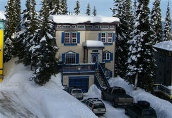 2 Bed/2 Bath Ground Floor Condo- Ski in/Ski out-  Sleeps 10 -  Pets Welcome