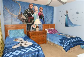 "Near Disney, 2 King Rm, Star War/Frozen Rm, 60"" Tv"