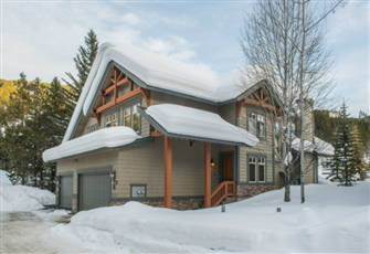 Ski-in/Ski-out Backs onto 9th Hole Greywolf & Private Hot Tub!