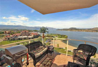 3 Bedroom Condo in the Heart of Downtown with Stunning View of Okanagan Lake