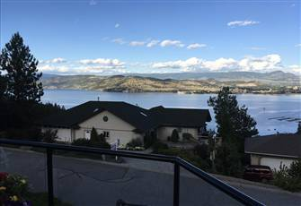 A little Bit of Paradise Conveniently Located in the Okanagan