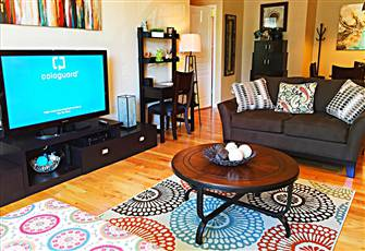 Southside Retreat -Cozy 2 Bedroom-Walk, Bike Or Free Shuttle to Everything