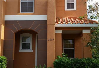Luxurious 3 Bedroom 3 Bathroom Town Home - 1.5 Miles from Disney