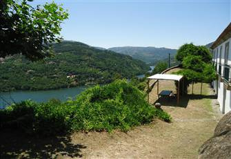 Quinta Do Loureiro - Farmhouse in Douro Valley - Private Pool - Stunning Views