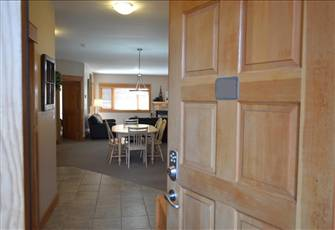 Beautiful 3 Bedroom Condo