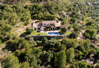 Clemenvilla-Luxury Private Villa Overlooking Nature and Sea Set in Natural Park