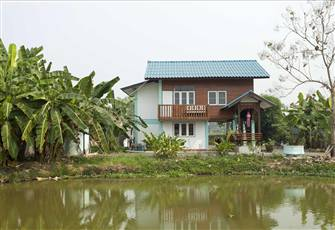 3 Bedroom Teakwood House in the Middle of Rice Fields with all Facilities