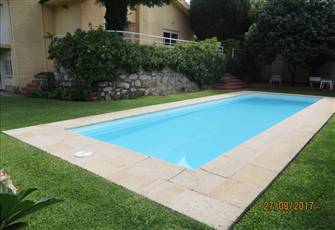 Villa in Moledo Beach, with Private Pool, Just 5 Minutes Walk to the Beach