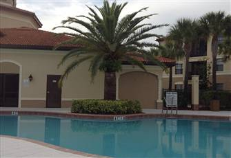 Beautiful 2 Bedroom 2 Bathroom Condo in Heart of Naples