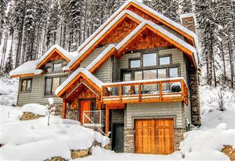 Four Bedroom Luxury Home in Panorama, Bc
