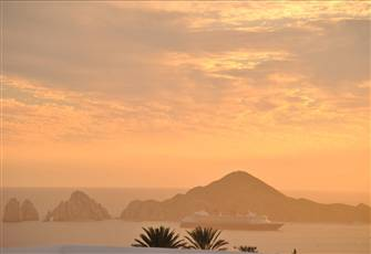 Stunning Cabo Arch Views