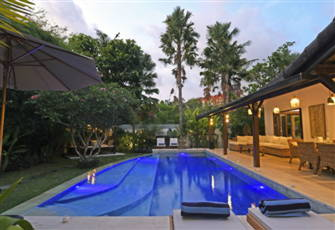 Superb Villa in Private