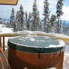 Private Hot Tub on Deck! Great Views!