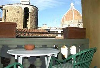 Apartment With a View Over Dome and Giotto Tower