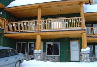 Family-oriented ski condo at Apex Mtn offers winter or summer retreat options