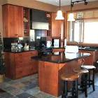 Fully Featured Kitchen - Granite Worktops and Breakfast Bar