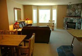 Cozy Two Bedroom Condo with Direct Access to the slopes