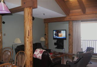 "True Ski in/Ski out - 42""Flat Tv, Quartz Counters, New Sinks in Kitchen and Bath"