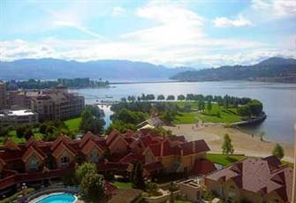 Elegant Lakeview Suite in Sunset Waterfront Resort, Kelowna - one Bedroom + Den