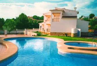 Apartment for 4 - 5 people. Near the beach. Pool. Quiet & Nice Surroundings