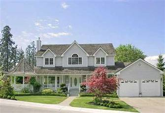 Beautiful Home near Lake Okanagan/ 4 Bedrooms/ 2.5 Bathrooms.