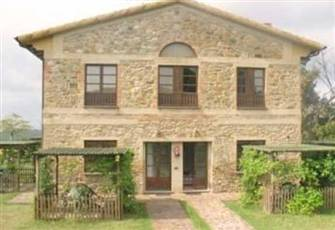 Beautiful Hilltop 2 Story Farmhouse Apartment in the Heart of Tuscany