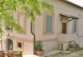 Spoleto Italy, A Charming 18th Century Country House and Garden