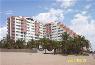 Oceanfront Condo on Fabulous Beach