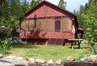 Lakefront Cabin in Sicamous and Mara Lake