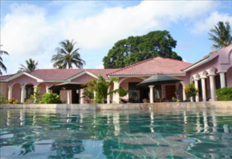 Luxury Oceanfront Villa at Mombasa north coast with huge pool and staff/chef