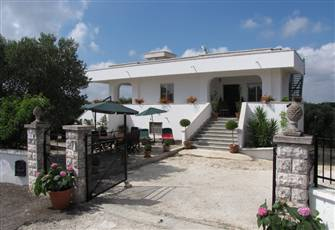 A Relaxing Modern Country Villa Luxuriously Furnished & Extremely Well Equipped