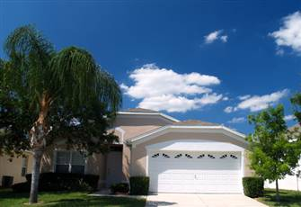 4 bed 2 bath Pool Home in Windsor Palms