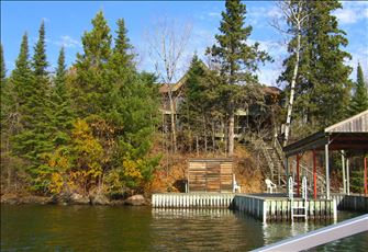 Lake of the Woods Waterfront Luxury Cottage near Kenora