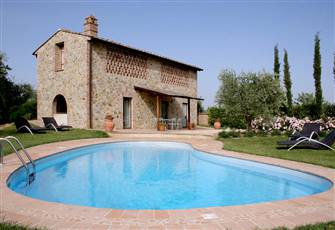 Three Bedroom Detached Tuscan Villa with Private Pool and Garden
