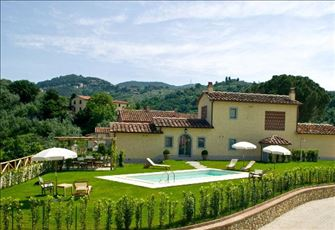 Three Bedroom Detached Split Level Villa with Private Pool in Central Tuscany