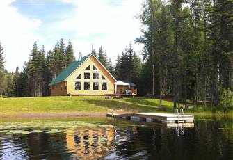 Beautiful Deluxe Lakefront Cottage - Hardwood Flooring, Granite and Log Accents.