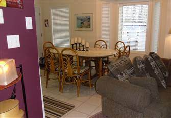 1 Bedroom Suite Attached to Family Home on the Knoll