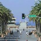 A 10 Minute Walk to Hermosa Beach Pier