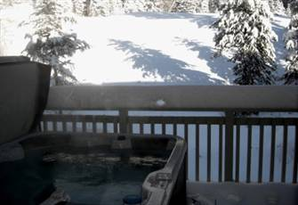 2bdr - Sleeps 6 - Private Hot Tub Deck, Ski in/out