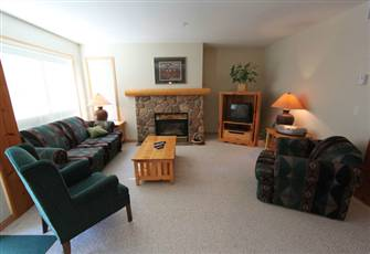 Stone Creek 2 bedroom condo with Private hot tub!
