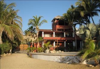 Classic Beachfront Villa on 3 Mile White Sand Beach Along the Sea of Cortez
