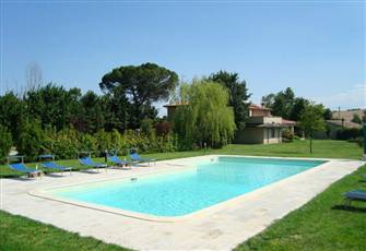 An Elegant House with 1 Ha of Garden, Parking and a Swimming Pool (16m X 8-6m)