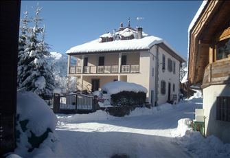 Self Catered Flat Rental for 7 People by French Alps in Les Carroz D'Araches