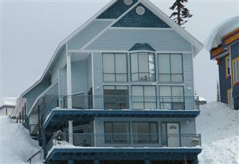 Absolutely one of the Best 3 Bedroom Homes on Silver Star Mountain to Stay....