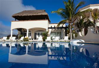 Luxury Beach Front Villa, Playa Paraiso, Mexico