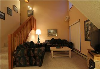 Beautiful Lofted 1-Bedroom, 2-Bath Creekside Condo