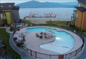 Discount: July 23-30th!!    Lakefront Modern & Luxurious  2 Bedroom & Loft