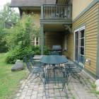 Patio with Table Set and Gas Bbq!